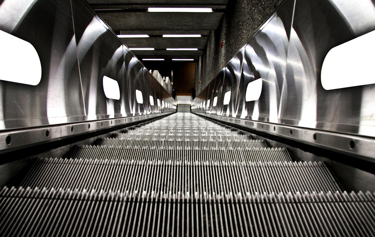 mantenimiento escaleras mecanicas madrid